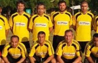 Veteranlar Futbol Takimi Antalya'da Ilimizi Temsil...