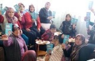 AK Parti Kadin Kollari Seçim Çalismalarina Devam...