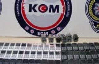 Kargo Kolisinden 164 Adet Kaçak Cep Telefonu Çikti...