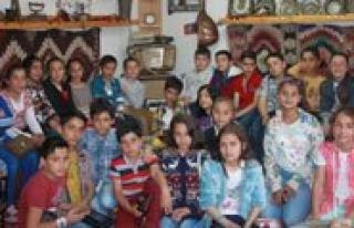 Bekir Sitki Erdogan Ortaokulu Ögrencilerinden Kgrt'ye...