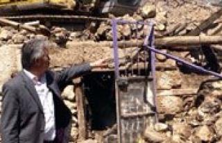 Karaman'da Çikan Yanginda 3 Ev Kül Oldu