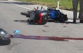 Motosiklet Tutkunu Ögretmen Kazada Öldü
