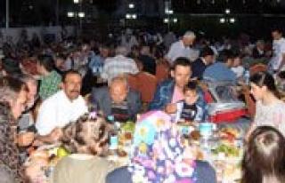Ramazanin Ilk Iftarinda Kimsesizler De Unutulmadi