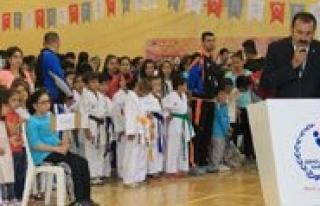 Karaman'da, Il Spor Merkezlerinden Muhtesem Açilis