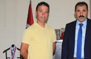 Spor Il Müdürü Kisacik, Basarili Antrenör Ünlü'yü...