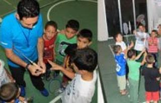 Badmintonla Saglik Bir Nesil Yetisiyor
