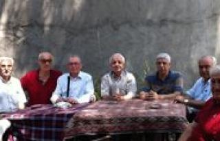 Istanbul'da Bulusup Lise Günlerini Konustular