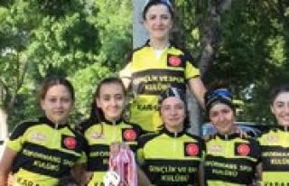 Karamanli Bisikletçiler Madalya Pesinde
