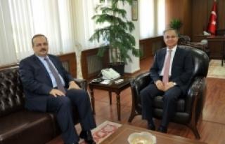 Konya Valisi Canbolat'tan Vali Tapsız'a ziyaret