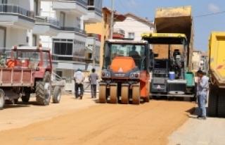 Karaman Belediyesi Yol Yapım Çalışmalarını Sürdürüyor