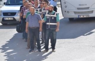Karaman'da FETÖ Operasyonunda 12 Kişi Adliyeye...