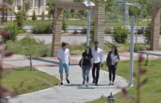 KMÜ'ye 3 Bin 977 Yeni Öğrenci Daha Geliyor