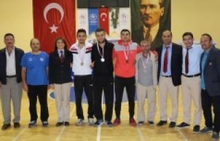 Cumhuriyet Kupası Masa Tenisi Karşılaşmaları...