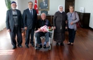 Huzurevi Sakinlerinden Vali Süleyman Tapsız'a...