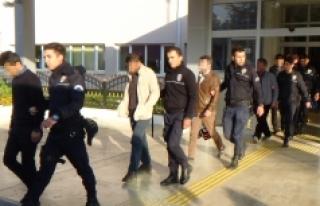 Karaman'da FETÖ'den Gözaltına Alınan 13 Kişi...
