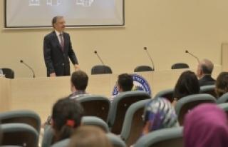 KMÜ Rektörü, Eğitim Fakültesinin İlk Öğrencilerine...
