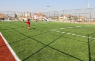 8 Yeni Semt Spor Sahasında Çalışmalar Tamamlandı