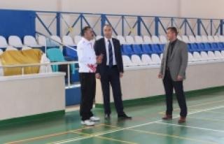 Kısacık, Kâzımkarabekir İlçe Spor Salonu'nda...