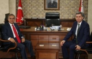 Vali Tapsız'dan Emniyet Müdürü Tutuk'a Ziyaret