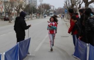 Atletler Soğuk Havaya Aldırış Etmedi