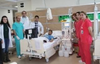 Diyaliz Hastaları Hastanede Misafir Ediliyor