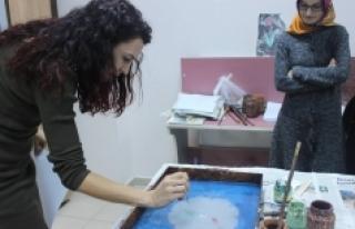 Ebru Eğitimleri Gençlerden Yoğun İlgi Görüyor