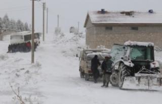 Karaman'da Kar Yağışı Hayatı Olumsuz Etkiliyor