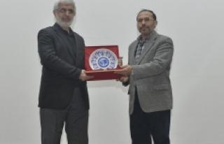 KMÜ'de İslami Kimlik Kavramı Konuşuldu