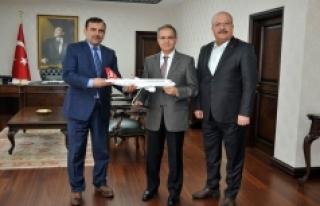 THY Konya Bölge Müdüründen Vali Tapsız'a Ziyaret