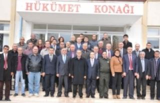 Vali Tapsız Kazımkarabekir'de Muhtarlarla Bir...