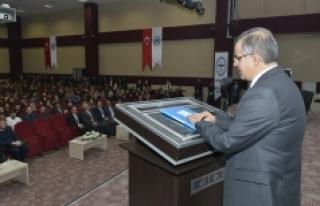 Vali Süleyman Tapsız KMÜ'de Öğrencilerle Buluştu