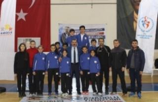 Analig Badminton Çeyrek Final Heyecanı Sona Erdi