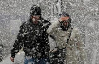 Kuvvetli Yoğun Kar Yağışı İle Birlikte Kuvvetli...