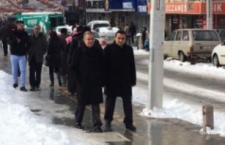 Vali Tapsız'ın Sürpriz Ziyaretleri Esnafı Sevindirdi