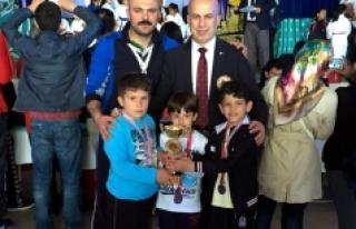 Karamanlı Karateciler Antalya'da Parladı