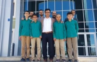 Arapça Yarışmasında 5'de Dört Yaptılar