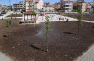 Belediyenin Yaptığı Yeni Park Alanları Hizmete...