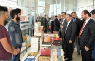 Dil Bayramı Etkinlikleri Kitap Ve Öğrenci Topluluklarının...
