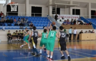 Karaman'da U13 Yarı Final Heyecanı Devam Ediyor