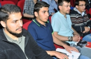 KMÜ'de Kuran Ve İdeolojik Okumalar Paneli Düzenlendi
