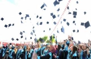 KMÜ Ermenek Meslek Yüksekokulunda Mezuniyet Heyecanı