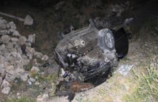 Karaman'da Otomobil Beton Sulama Kanalına Çarparak...