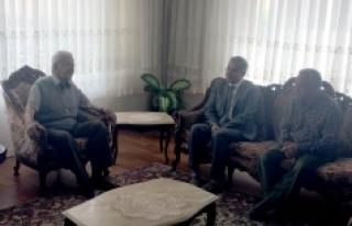 Vali Tapsız Kızılay Karaman Şube Başkanı Ali...