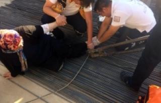 Ayağına Saplanan İnşaat Demiriyle Hastaneye Kaldırıldı