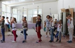 Karaman'da Gençler Ata Sporu Okçuluğu Öğreniyor