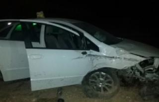 Karaman'da Otomobille Minibüs Çarpıştı: 8 Yaralı