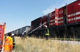 Yük Treninin Lokomotifinde Çıkan Yangın İtfaiye...