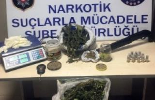 Karaman'da 2 Kilo 600 Gram Esrar Ele Geçirildi