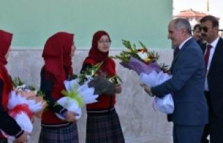 Karaman'da Okullar Yeşille Hayat Buluyor
