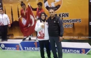 Karamanlı Sporcu Tekvando'da Balkan Üçüncüsü...